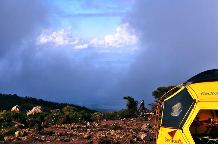 Kikelewa Caves camp 02.10.2011